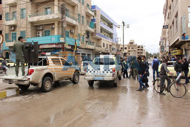 Starcia między kurdyjską policją a siłami syryjskiego reżimu w Al-Kamiszli