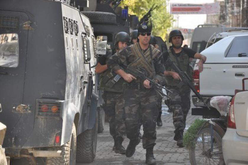 Cywile pod ostrzałem armii i policji w Hakkari